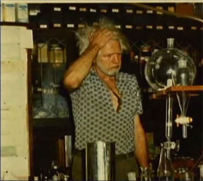 Alexander Shulgin in his lab